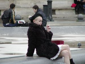 cool-typical_french_parisian_girl
