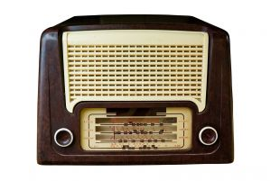 radio_isolated_on_white_with_clipping_path